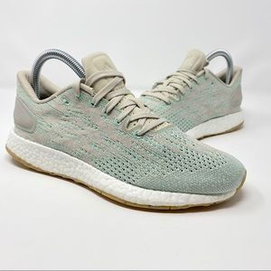adidas pureboost womens size 6 *has small defect*